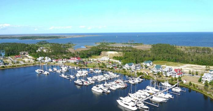 River_Dunes_North_Carolina_Grace_Harbor_Marina
